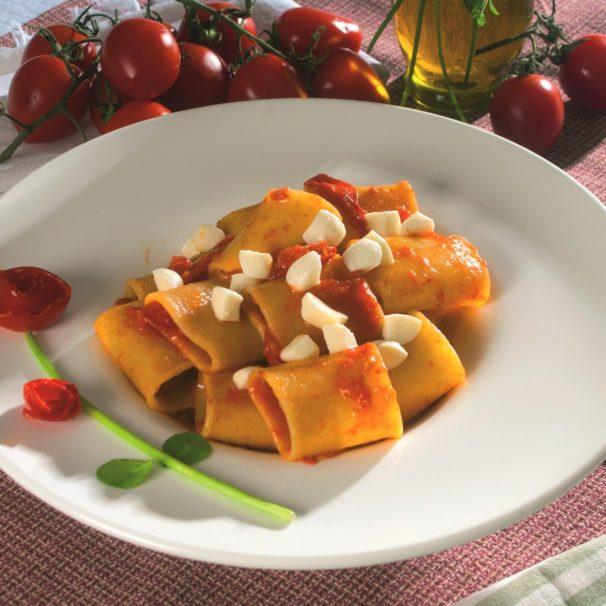 Paccheri with fiordilatte, cherry tomatoes and basil