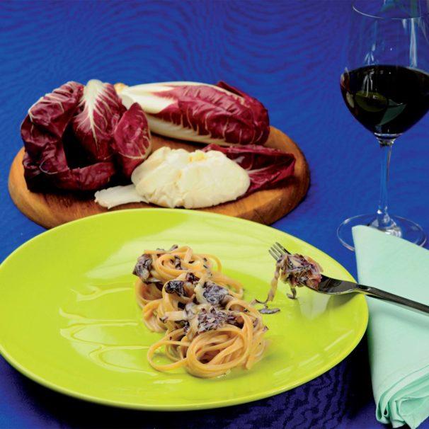 Cucinare Italy - linguine with radicchio and stracchino